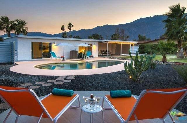 2040 E Joyce Drive, Palm Springs, CA 92262 (#219066962PS) :: Steele Canyon Realty