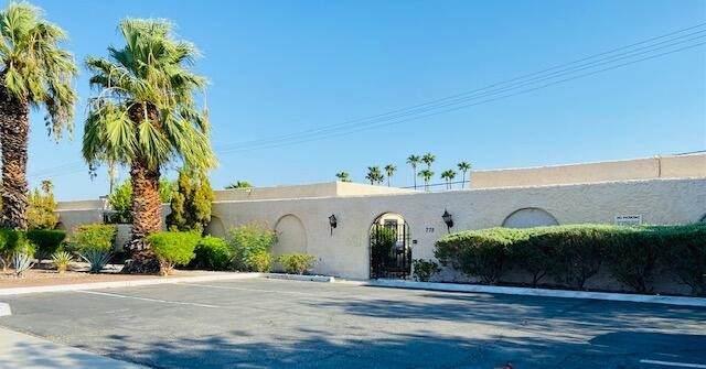 775 E Vista Chino #2, Palm Springs, CA 92262 (#219067000DA) :: Blake Cory Home Selling Team