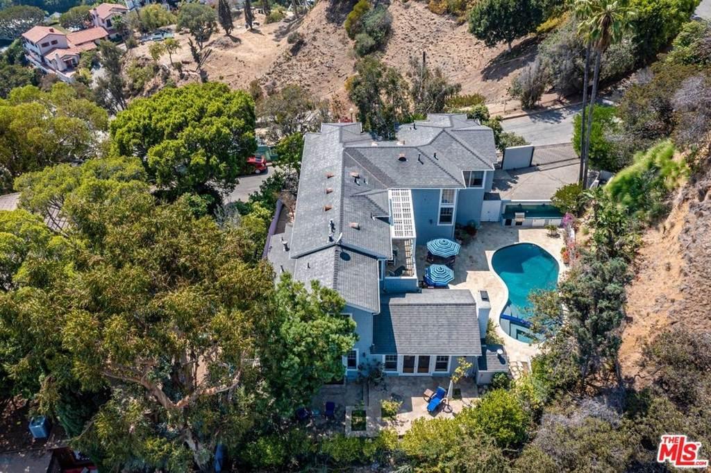 8673 Hollywood Boulevard - Photo 1