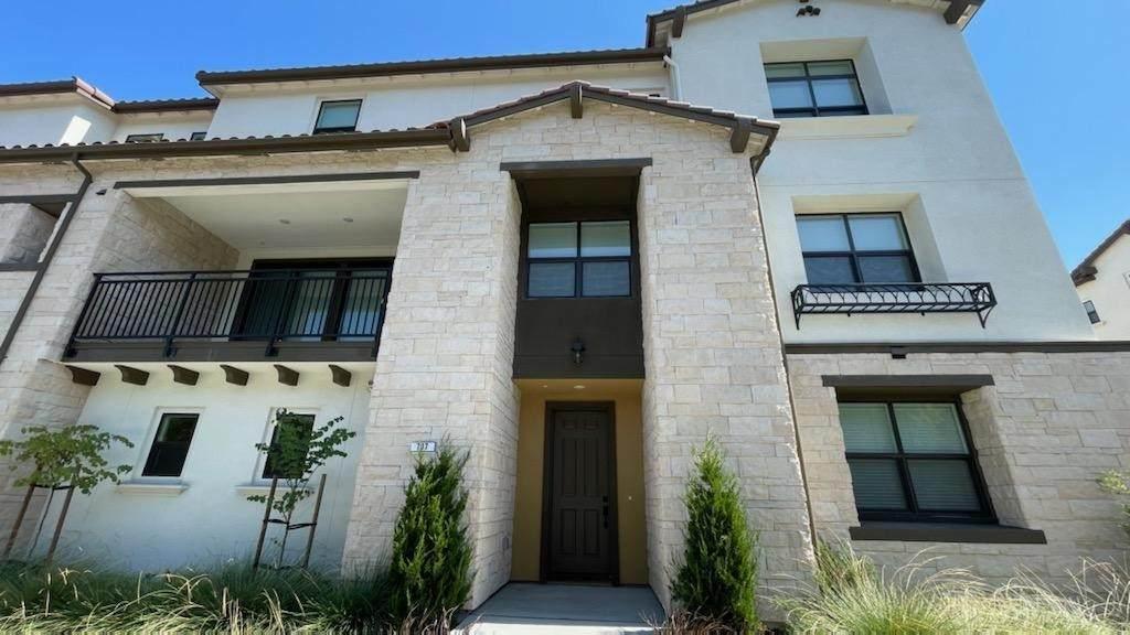 707 Santa Cecilia Terrace - Photo 1
