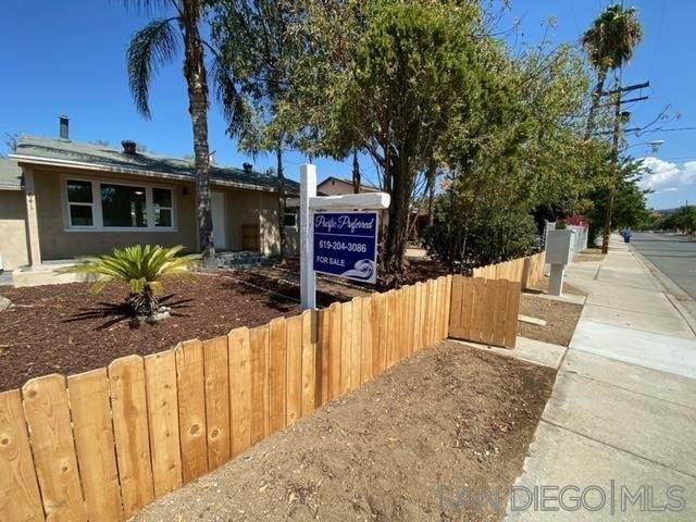 641 E St, Ramona, CA 92065 (#210025858) :: Steele Canyon Realty