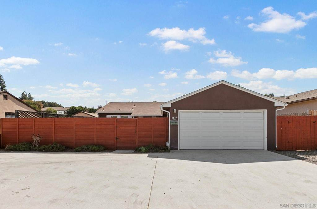 6883 Mission Gorge Rd - Photo 1