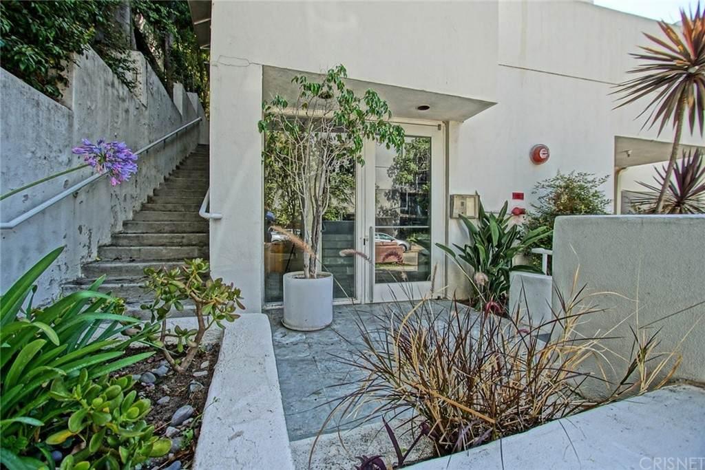 650 Kelton Avenue - Photo 1