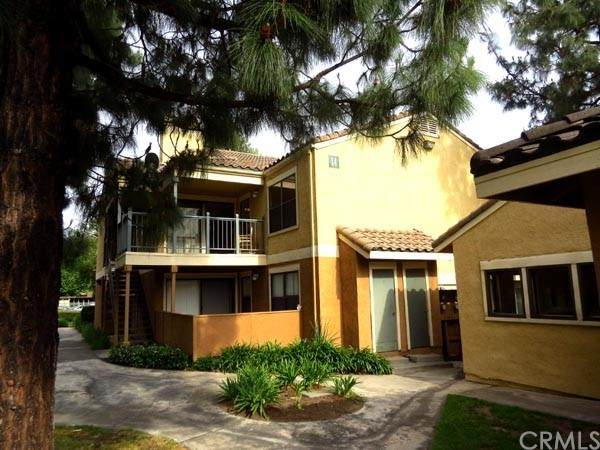 10655 Lemon Avenue #1402, Rancho Cucamonga, CA 91737 (#CV21202837) :: Corcoran Global Living