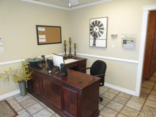 1400 Easton Drive #104, Bakersfield, CA 93309 (#SC21198602) :: Jett Real Estate Group