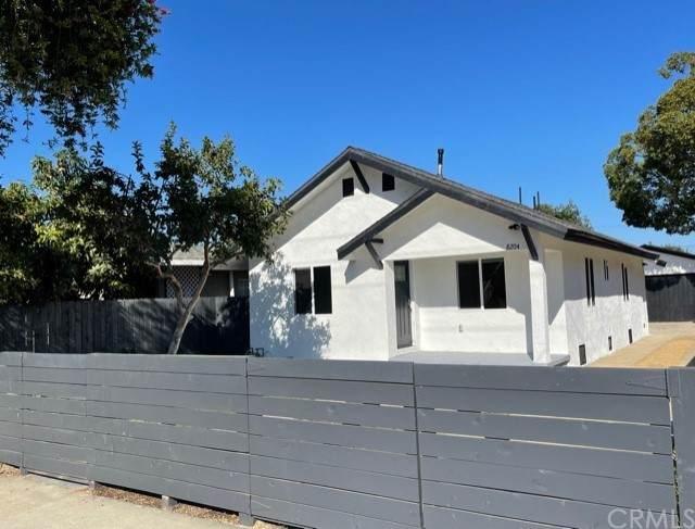 8204 Crockett Boulevard, Los Angeles (City), CA 90001 (#PW21204110) :: A|G Amaya Group Real Estate