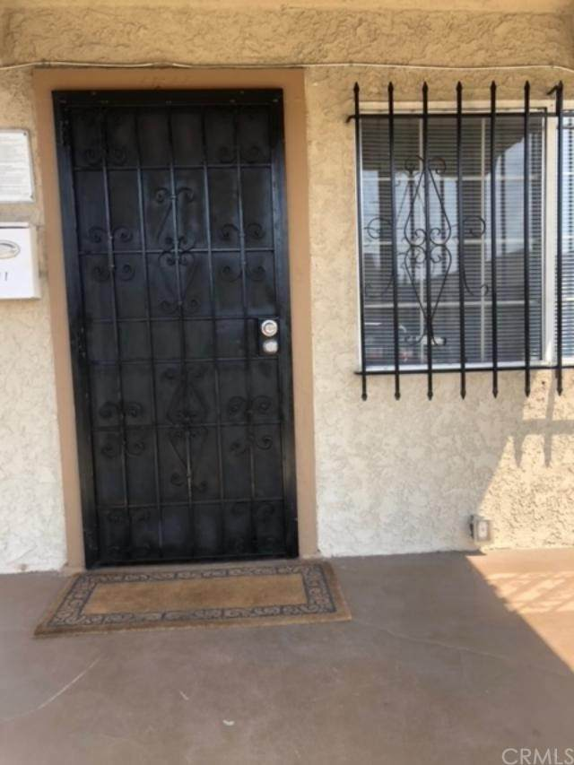1539 W 54th Street, Los Angeles (City), CA 90062 (#PW21204646) :: A|G Amaya Group Real Estate