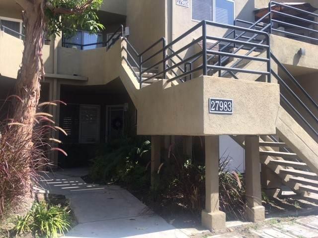 27983 Crimson #243, Mission Viejo, CA 92691 (#OC21206897) :: Berkshire Hathaway HomeServices California Properties