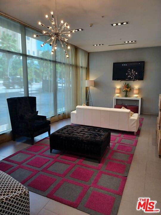 1234 Wilshire Boulevard #305, Los Angeles (City), CA 90017 (#21785932) :: First Team Real Estate