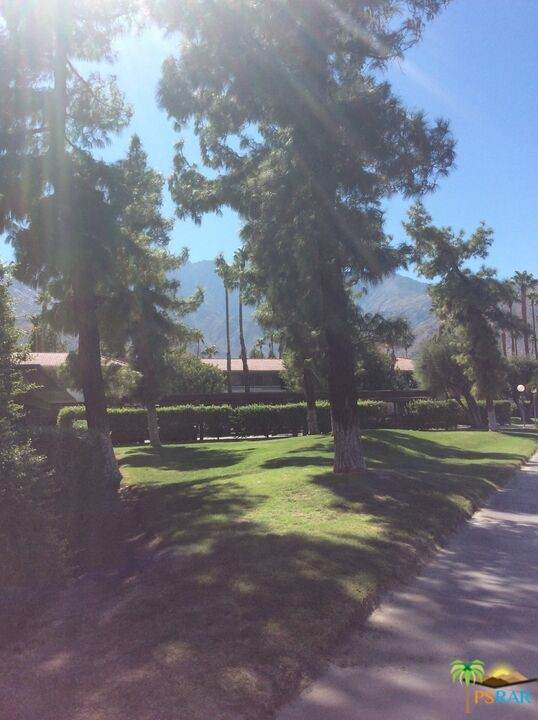 470 N Villa Court #107, Palm Springs, CA 92262 (#21785582) :: Mainstreet Realtors®