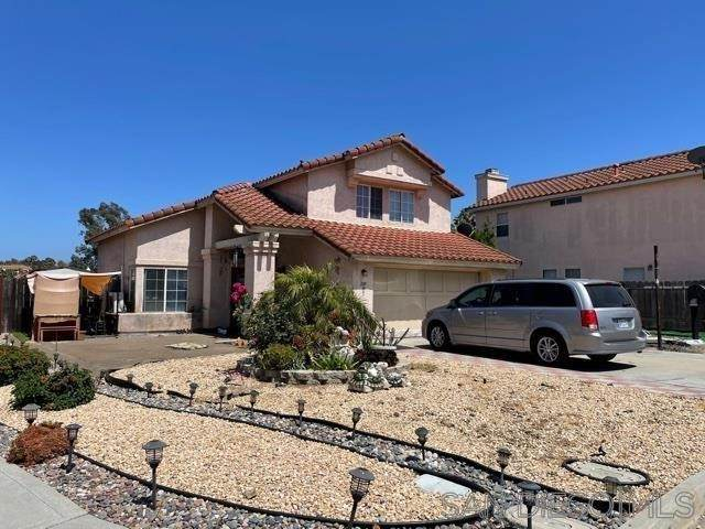 289 Arran Ave, Spring Valley, CA 91977 (#210026885) :: Cochren Realty Team | KW the Lakes