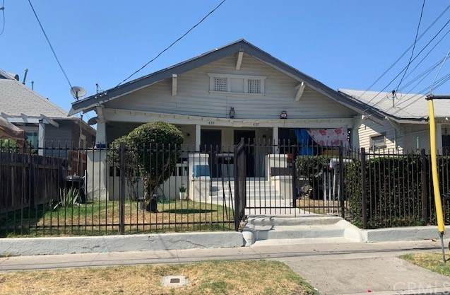 437 W 54th Street, Los Angeles (City), CA 90037 (#PW21210642) :: Rogers Realty Group/Berkshire Hathaway HomeServices California Properties