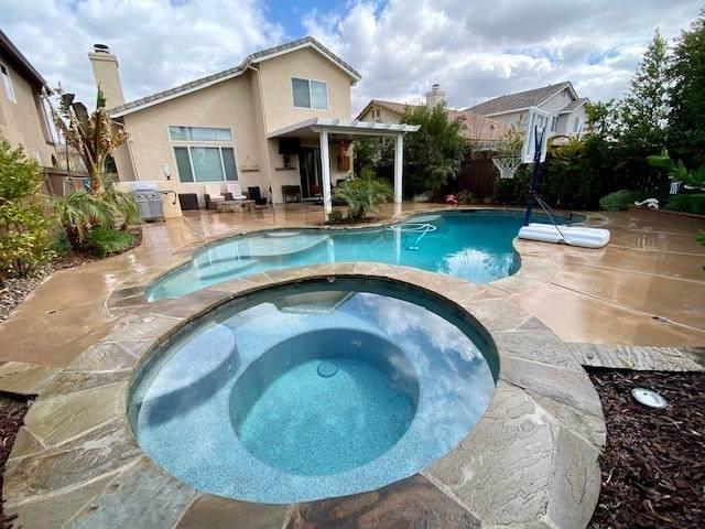 11994 Stovall Way, Yucaipa, CA 92399 (#219068042DA) :: Corcoran Global Living