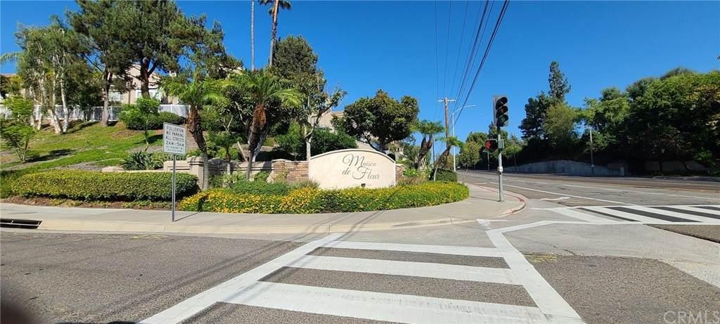 2100 Camellia Lane - Photo 1