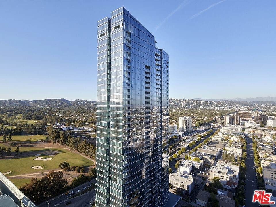 10000 Santa Monica Boulevard - Photo 1