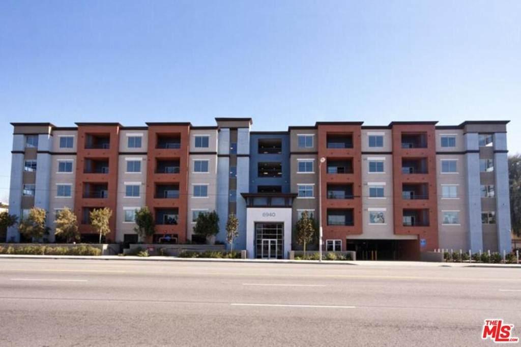 6940 Sepulveda Boulevard - Photo 1