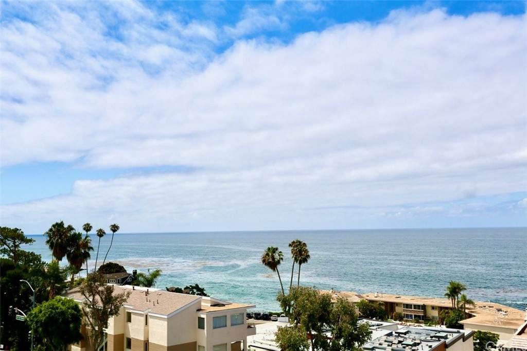 694 Coast - Photo 1
