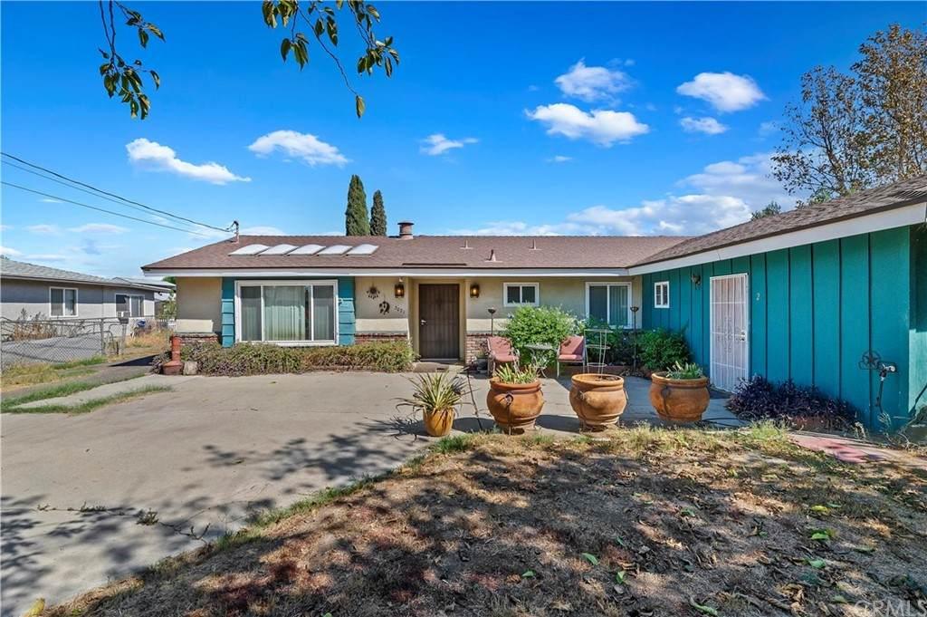 3021 Sierra Avenue - Photo 1