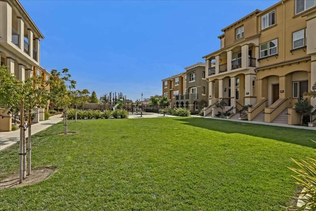 38979 Primula Terrace - Photo 1