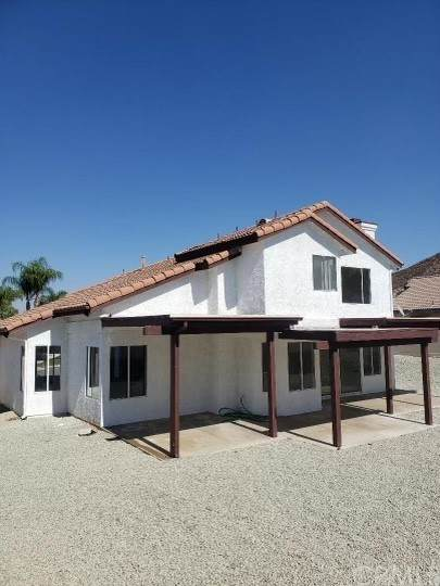 27853 Cliff Top Court, Menifee, CA 92585 (#IV21224371) :: Team Forss Realty Group