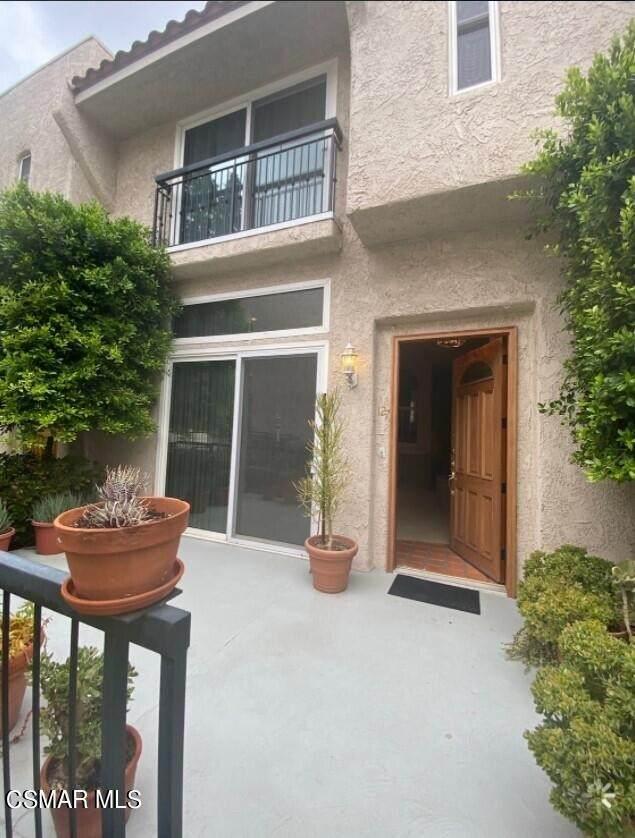 5401 Zelzah Avenue - Photo 1