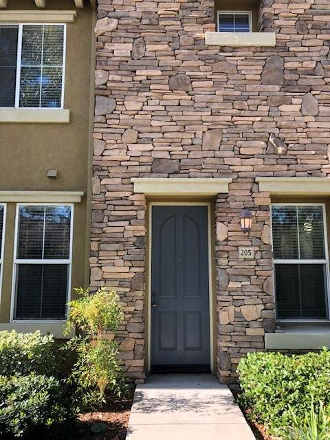 30505 Canyon Hills Road #205, Lake Elsinore, CA 92532 (#SW21220254) :: Cochren Realty Team | KW the Lakes