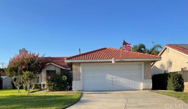 17570 Lombardy Lane, Bloomington, CA 92316 (#SW21209279) :: Necol Realty Group