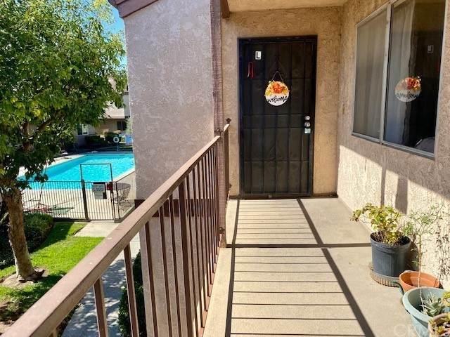 12050 226th Street 32 (L), Hawaiian Gardens, CA 90716 (#PW21229428) :: Blake Cory Home Selling Team