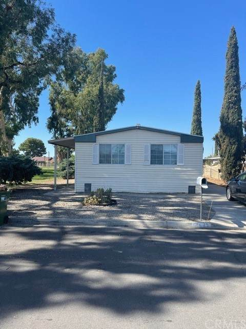14843 Bluebriar Street, Moreno Valley, CA 92553 (#SW21229725) :: Blake Cory Home Selling Team