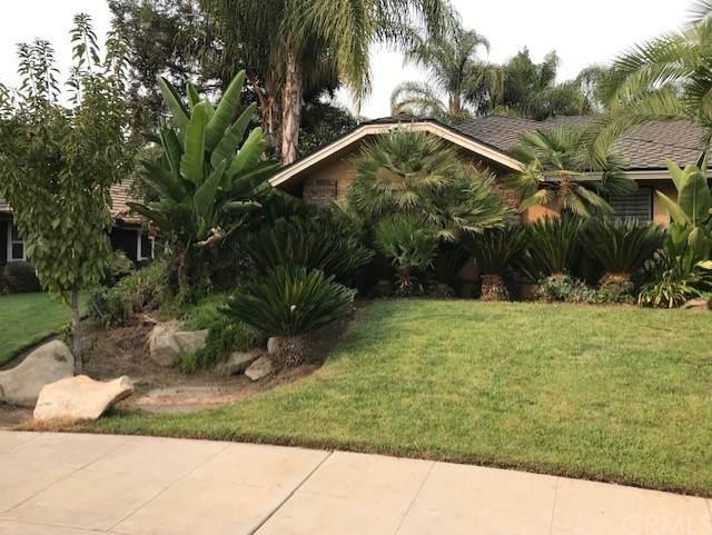 374 E Feather River Drive, Fresno, CA 93730 (#FR21229733) :: Murphy Real Estate Team