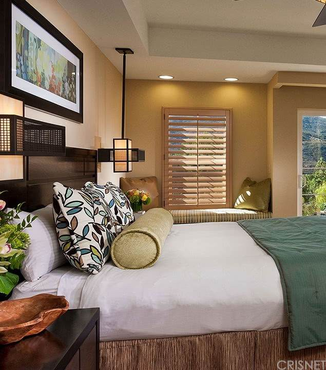 8860 Lawrence Welk Drive Drive, Escondido, CA 92026 (#SR21230038) :: Blake Cory Home Selling Team