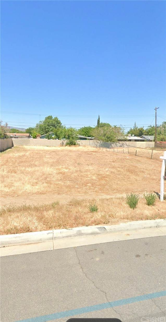 38523-East 4th Street, Palmdale, CA 93550 (#SR21230623) :: McKee Real Estate Group Powered By Realty Masters & Associates