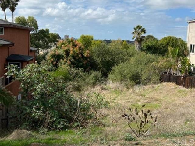 1229 Holly Street, Oceanside, CA 92058 (#NDP2111878) :: CENTURY 21 Jordan-Link & Co.