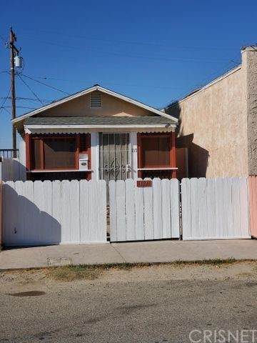 117 W Pillsbury Street, Lancaster, CA 93534 (#SR21231273) :: Blake Cory Home Selling Team