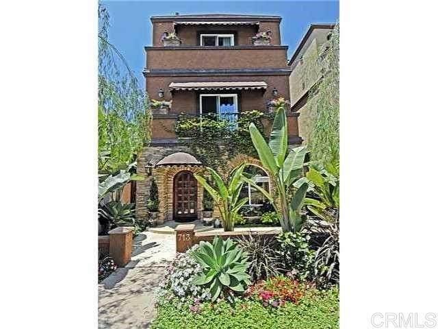 713 N Tremont Street, Oceanside, CA 92054 (#NDP2111910) :: Blake Cory Home Selling Team