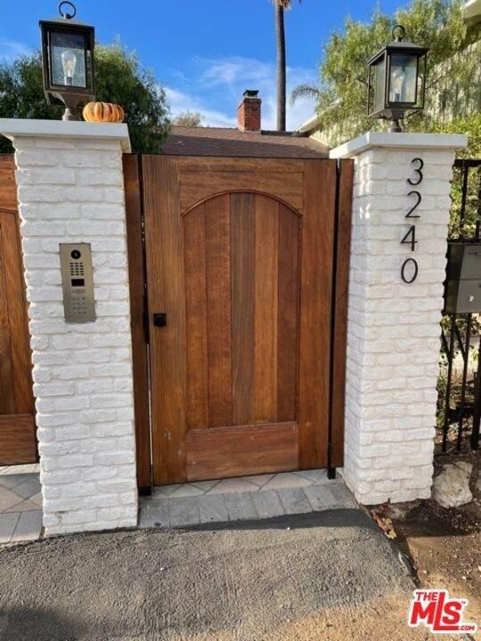 3240 Tilden Avenue, Los Angeles (City), CA 90034 (#21797608) :: Mark Nazzal Real Estate Group