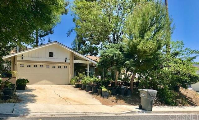 29846 Grandifloras Road, Canyon Country, CA 91387 (#SR21233199) :: The Parsons Team