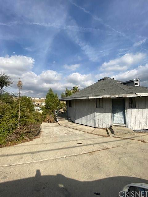 11455 Aucas Drive, Chatsworth, CA 91311 (#SR21234569) :: Re/Max Top Producers