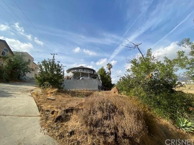 11451 Aucas Drive, Chatsworth, CA 91311 (#SR21234572) :: Re/Max Top Producers