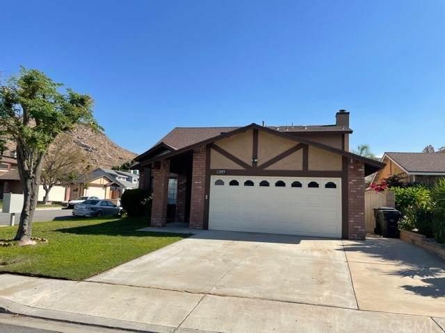 11955 Rockridge Drive, Fontana, CA 92337 (#CV21235386) :: Blake Cory Home Selling Team