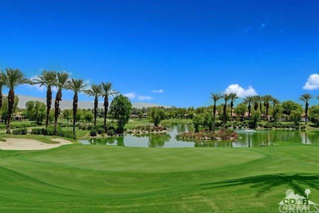 200 Desert Holly Drive, Palm Desert, CA 92211 (#217003742DA) :: Millman Team