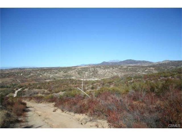 0 Martinez Drive, Hemet, CA 28377 (#IV17036739) :: Kristi Roberts Group, Inc.