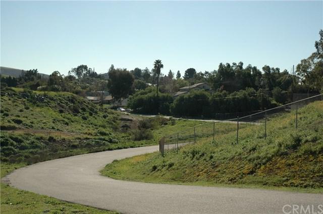 64 Ambrosio Circle, Corona, CA 25405 (#OC17038342) :: Provident Real Estate