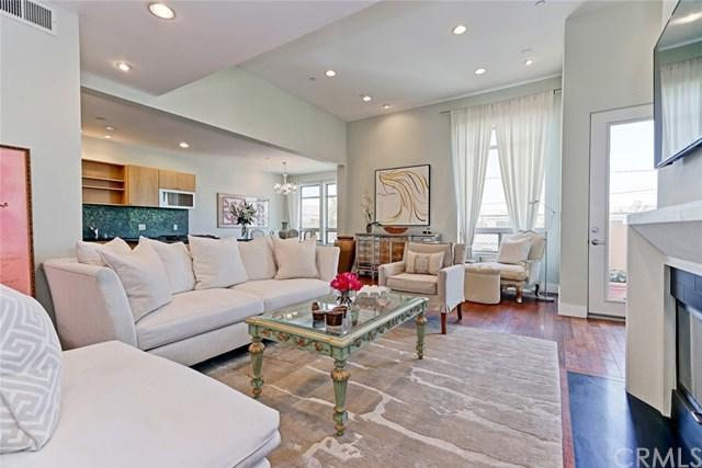 1225 E Grand Avenue C, El Segundo, CA 90245 (#SB17133791) :: Erik Berry & Associates