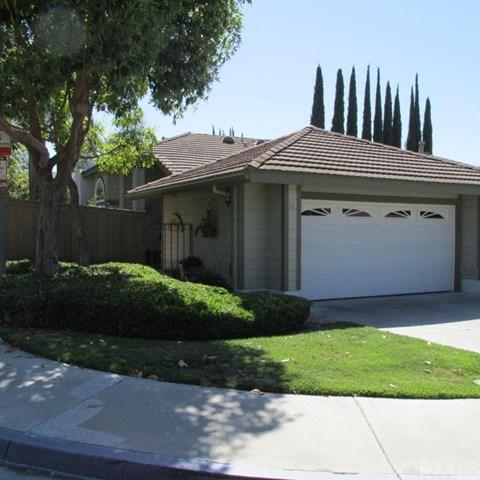 11 Melody Hill Lane, Laguna Hills, CA 92653 (#OC17136816) :: Berkshire Hathaway Home Services California Properties