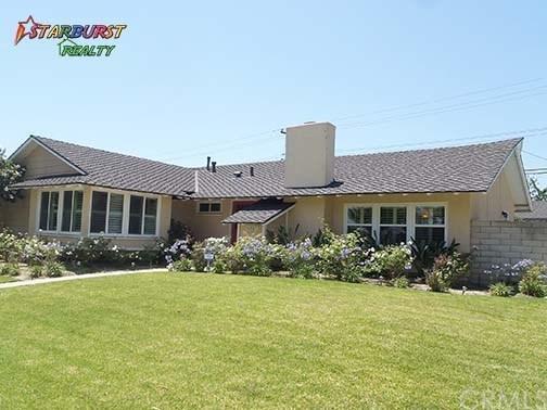 11581 Montecito Road, Rossmoor, CA 90720 (#PW17135500) :: Kato Group