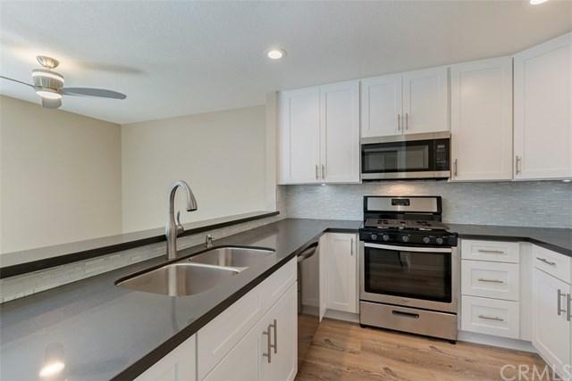 25652 Rimgate Drive 13E, Lake Forest, CA 92630 (#OC17143573) :: DiGonzini Real Estate Group