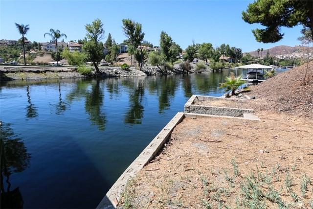 22408 Lighthouse Drive, Canyon Lake, CA 92587 (#SW17165631) :: Dan Marconi's Real Estate Group