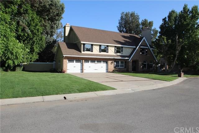 26262 Glen Canyon Drive, Laguna Hills, CA 92653 (#OC17186609) :: Fred Sed Realty