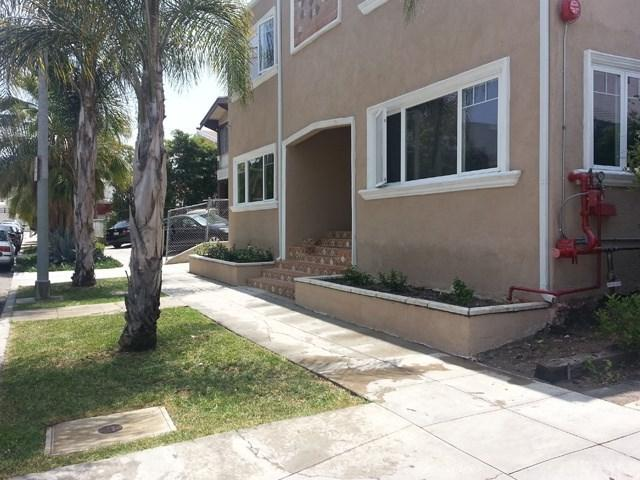 5722-5724 Camerford Avenue, Hollywood, CA 90038 (#OC17187448) :: Prime Partners Realty